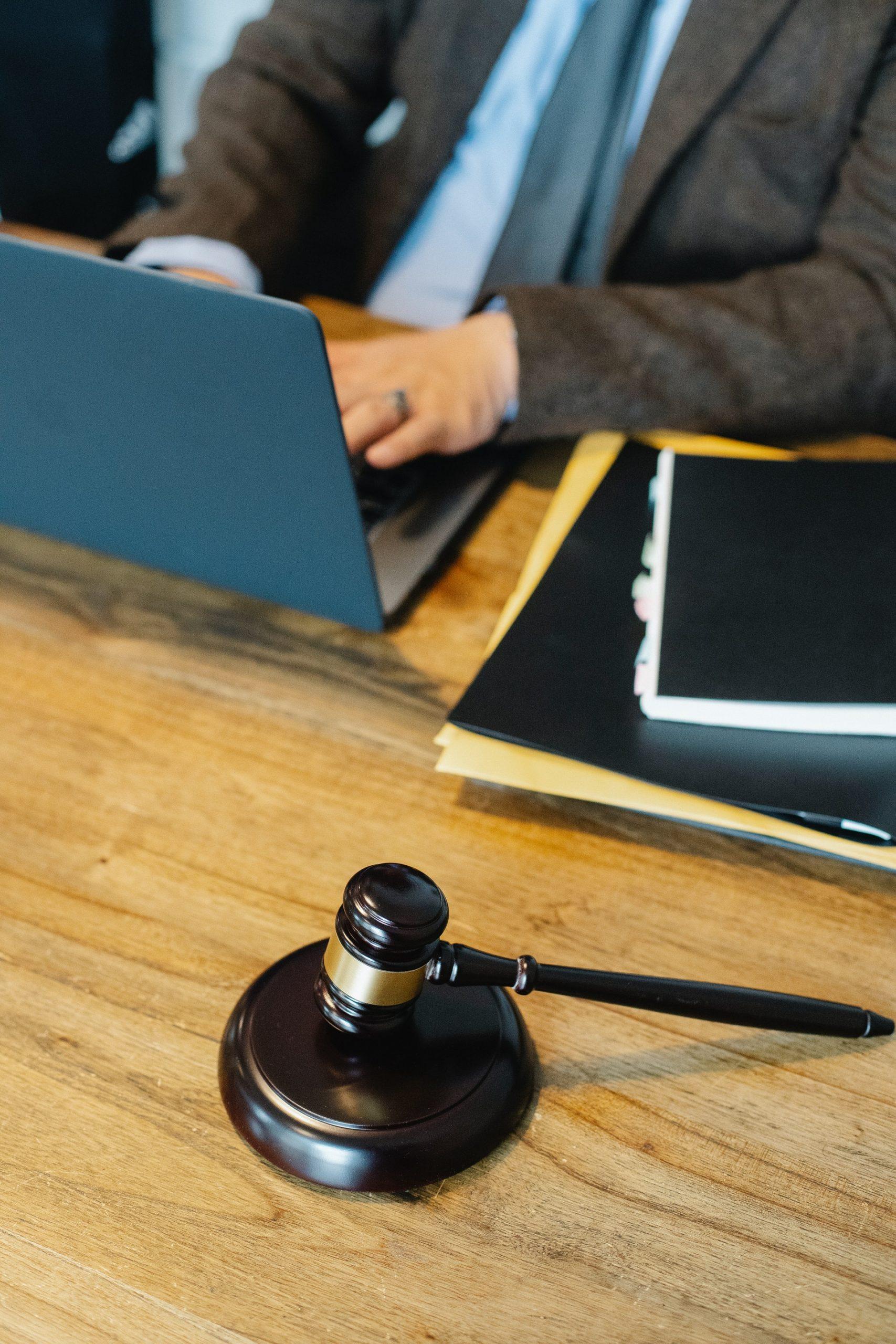 Reasons Contractors get Sued - Buy Contractors Insurance